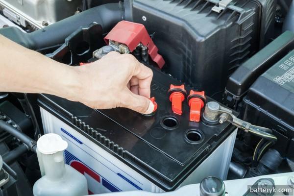 Обслуживание аккумулятора автомобиля своими руками