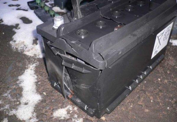 Взрыв аккумулятора автомобиля