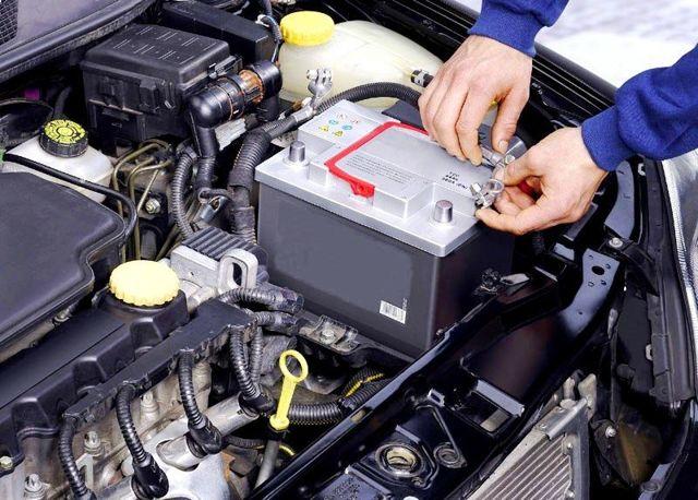 Почему разряжается аккумулятор на машине за ночь