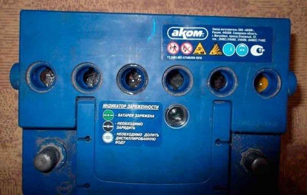 Замёрз аккумулятор автомобиля: причины и что делать