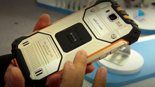 Телефон с двумя аккумуляторами