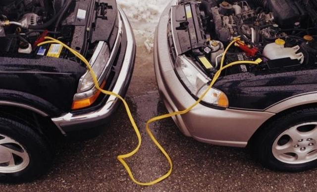 Сел аккумулятор на машине: что делать и причины