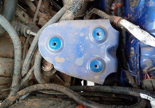 Установка аккумулятора на автомобиль