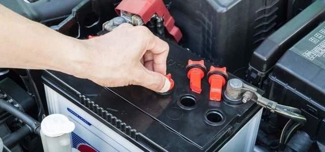 Сколько служит аккумулятор автомобиля